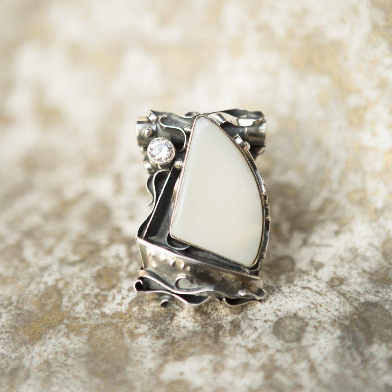 White Agate Pendant | Belle Femme