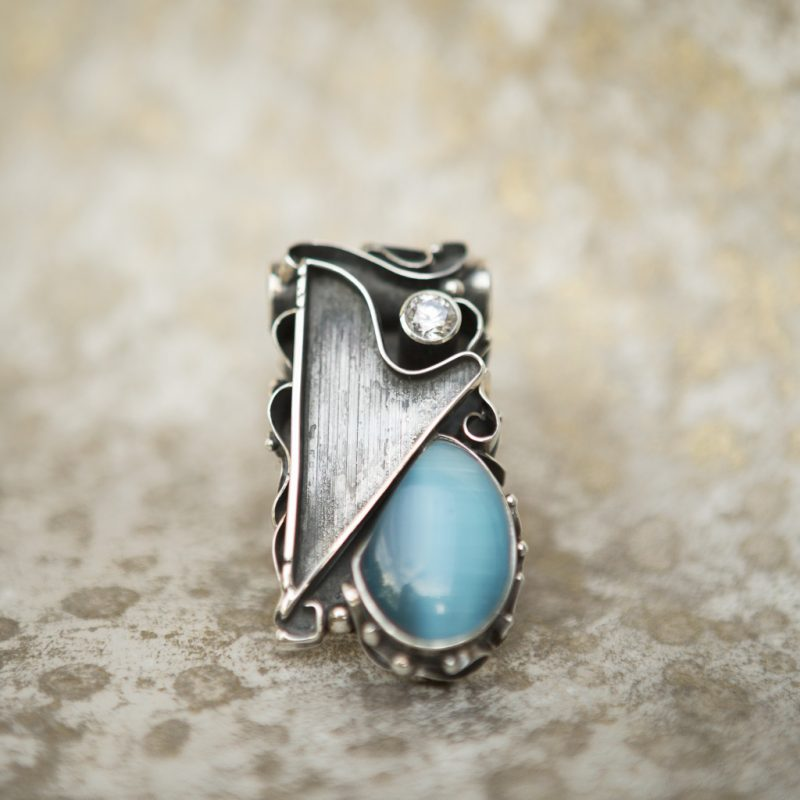 Blue Cat's Eye Pendant | Belle Femme